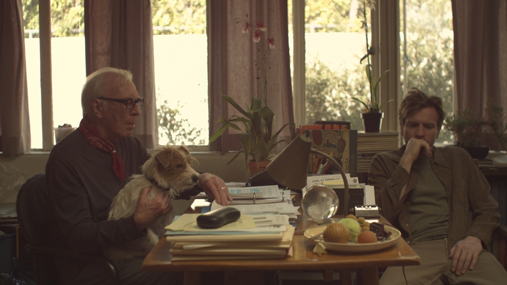 http://www.enclavedecine.com/wp-content/uploads/2011/07/Beginners_movie_image_Ewan_McGregor_Christopher_Plummer-1.jpg