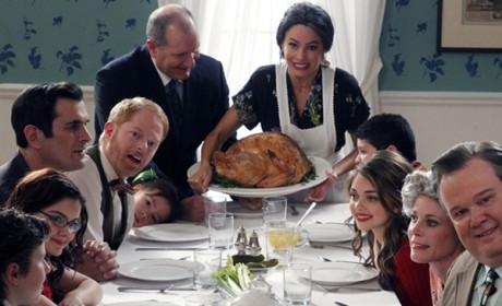 Modern Family - Tableau Vivant (3x23)