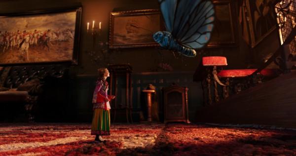 Alicia a través del espejo (2016) de James Bobin